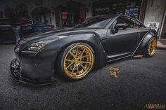 """Murder Was the Case That They Gave Me"" 🎩 Owner : @vlmao  #Gtr  #libertywalk #canon #R35 #carlifestyle #exotics4life #goldrushrally #luxury #lamborghini #ferrari  #cars #wheels #bmw #jdm #money #stance #stancenation #Carswithoutlimits #gold #slammed #cargram #carporn #supercars #luxury4play  #audi #nismo #money #aventador  #supercars #nyrob555photography"