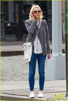 naomi watts street style | Naomi Watts look : jeans and grey moto | Looks