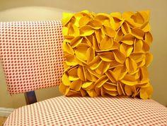 Felt Circle Petal Pillow Tutorial