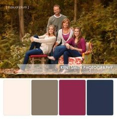 Photography portrait family color schemes Ideas for 2019 Family Portrait Poses, Fall Portraits, Family Posing, Family Potrait, Beach Portraits, Family Color Schemes, Picture Color Schemes, Family Photos What To Wear, Fall Family Pictures