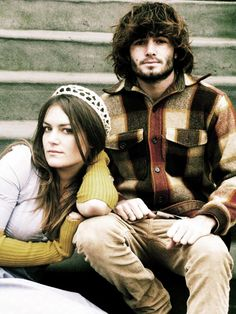 Angus & Julia Stone are an Australian brother-sister folk and indie pop group that formed in 2006 by Angus Stone and Julia Stone.