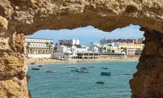 A local's guide to Cádiz, Spain: 10 top tips Andalucia Spain, Andalusia, Great Places, Places To See, Backpacking Spain, Small Fishing Boats, Spain Culture, Famous Beaches, Beach Meals