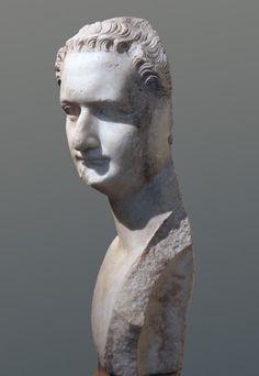 Portrait of the emperor Domitian, 3/4 left (MC 1156) | da Roger B. Ulrich