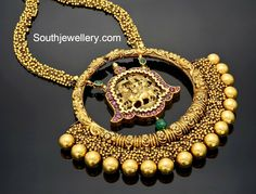 Antique Gold Nakshi Necklace with Heavy Pendant