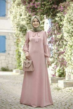 Elbise modelleri I can sew this myself Abaya Fashion, Modest Fashion, Fashion Dresses, Moslem Fashion, Modele Hijab, Mode Abaya, Hijab Style, Moda Emo, Muslim Dress