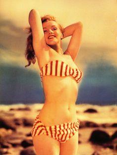 Marilyn photographed by Joseph Jasgur, 1946