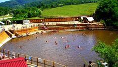 Turism Romania, Romania Travel, Roman Holiday, Tourist Places, Beautiful Places To Travel, Places To Go, Deck, Explore, Traditional