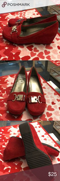NWOT UNISA Red wedge shoes Red size 7M never worn wedge shoes. Shoes Wedges