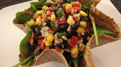 this looks like the bean salad from Engine 2 Diet book in a sprouted wrap baked into tortilla salad bowl shape. Low Fat Vegan Recipes, Lunch Recipes, Mexican Food Recipes, Whole Food Recipes, Diet Recipes, Vegetarian Recipes, Cooking Recipes, Healthy Recipes, Vegans
