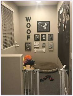 30 Smart First Apartment Decorating Ideas on A Budget * aux-pays-des-fleu. Animal Room, Apartment Decorating On A Budget, Interior Decorating, Decorating Ideas, Decor Ideas, Fun Ideas, Interior Design, Apartment Inspiration, Friends Apartment