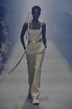 Hugo Berlin - Spring Summer 2019 Ready-To-Wear - Shows - Vogue. Vogue Fashion, Fashion Week, Fashion Show, Womens Fashion, Fashion Trends, Vogue Paris, Costume, Vogue Russia, Street Outfit