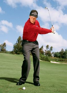 Many amateurs find the half-wedge shot to be awkward. Phil Mickelson shows you how to nail it. http://golfdig.st/xkAMhG