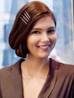 3 DIY Ways To Rock A Roaring '20s Faux Bob Like A Boss #refinery29  http://www.refinery29.com/43934#slide-1  Look 1: USO Chic  For these looks, we tapped style guru Josie Joseph of Sine Qua Non salon in Lakeview.       Model: Bridget Lam of Ford Models ...