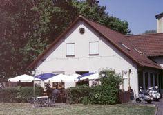 Hier im Restaurant Da Ciccio e Peppe ist jeden ersten Freitag im Monat unser Tourenfahrerstammtisch in Würzburg ... Restaurant, Cabin, Monat, House Styles, Home Decor, Friday, Decoration Home, Room Decor, Diner Restaurant