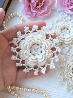 Watch The Video Splendid Crochet a Puff Flower Ideas. Phenomenal Crochet a Puff Flower Ideas. Crochet Fabric, Thread Crochet, Love Crochet, Crochet Motif, Irish Crochet, Beautiful Crochet, Crochet Doilies, Crochet Hooks, Crochet Puff Flower