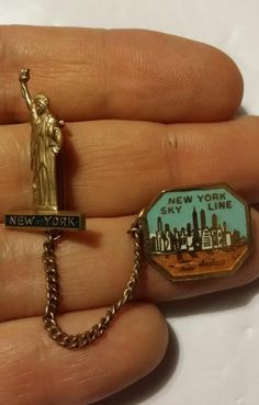 Vintage Souvenir Pin New York Sky Line & Statue of Liberty Chain Linked Brooch