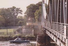 Glienicke Brücke, zwischen West-Berlin und Potsdam (DDR) (Foto: Mark Reeder)