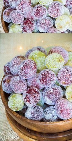 Sugared Grapes, a fun holiday snack or beautiful cake decoration! Grape Recipes, Fruit Recipes, Sweet Recipes, Recipes With Grapes, Holiday Snacks, Holiday Recipes, Nye Recipes, Sugared Grapes, Recipes