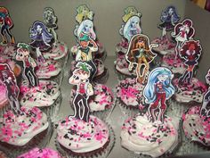 Cupcakes at a Monster High Party #monsterhigh #cupcakes