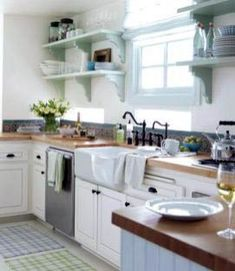 Stylish Rustic Kitchen Decor Open Shelves Ideas – Best Home Decorating Ideas - Page 14 Green Kitchen Cabinets, Painting Kitchen Cabinets, Kitchen Cabinet Design, Kitchen Shelves, Budget Kitchen Remodel, Kitchen On A Budget, New Kitchen, Kitchen Tips, Kitchen Renovations