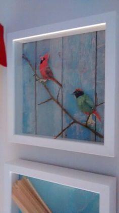 Rahmen 3D durch verschiedene Materialien wie Strukturtapete, Ästen, ausgeschnittene Vögel