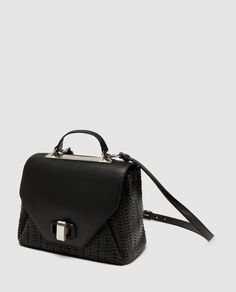 Today I'm going to share some Zara bags with you which are my favorite ones and also most compatible with new bag trends. Women's Bags, Leather Backpack, Leather Bag, Spring Bags, Summer Bags, Sacs Design, Online Zara, Zara Bags, Insulated Lunch Bags