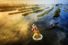 Amazing shot of a fisherman at Inle Lake. By the Burmese photo.grapher Zay Yar Lin for 2016 Sony World Photography Awards. Photography Competitions, Photography Contests, World Photography, Photography Awards, Aerial Photography, Amazing Photography, Travel Photography, Themed Photography, Digital Photography