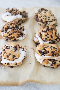 Chip Biscuit S'mores Chocolate Chip Biscuit S'mores! - Sugar and Charm - sweet recipes - entertaining…Chocolate Chip Biscuit S'mores! - Sugar and Charm - sweet recipes - entertaining… Chocolate Chip Biscuits, Homemade Chocolate Chips, Chocolate Cookies, Cheap Chocolate, Cocoa Chocolate, Dessert Chocolate, Chocolate Brownies, Chocolate Covered, Chocolate Recipes