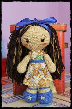 Muñeca de Cabeza Grandota Amigurumi - Patrón Gratis en Español aquí: http://patronesamigurumipuntoorg.blogspot.de/2014/08/muneca-crochet-con-vestido-y-zapatitos.html