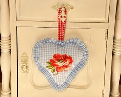 precious gingham heart with rose