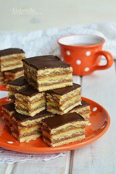 Zserbó szelet - a legfinomabb kakaómázzal Cereal, Breakfast, Cake, Sweet, Christmas, Food, Recipes, Morning Coffee, Candy