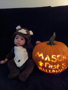 Baby's 1st Halloween - Personalized pumpkin photo! Doing it!
