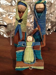 Our Colombian Corn Husk Nativity Set is created from dried corn husks, dyed in pleasing blue-green hues. This sweet Holy Family is handcrafted from Fair Trade Artisans in war-ravaged Colombia, to prov