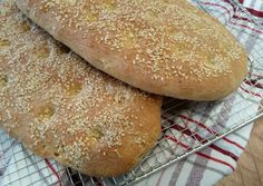 Bread Art, Greek Recipes, Hamburger, Muffins, Food And Drink, Rolls, Cooking, Breads, Diy