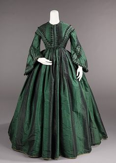 Afternoon dress Date: ca. 1855 Culture: American Medium: silk Dimensions: Length at CB: 58 in. cm) Credit Line: Brooklyn Museum Costume Collection at The Metropolitan Museum of Art, Gift of the Brooklyn Museum, Gift of Marion Fisher, 1952 1850s Fashion, Victorian Fashion, Vintage Fashion, Fashion Goth, Victorian Era, Vintage Gowns, Vintage Outfits, Civil War Fashion, Civil War Dress
