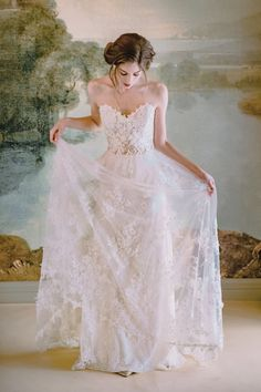 """The queen fo romantic wedding gowns, Claire Pettibone relases her 2019 """"Timeless Bride"""" Wedding Gown Collection full of embroiered, coloured wedding gowns. Claire Pettibone, Wedding Dress Backs, Wedding Dress Necklines, Bridal Dresses, Watercolor Free, Bridal Collection, Dress Collection, Wedding Bride, Wedding Gowns"""
