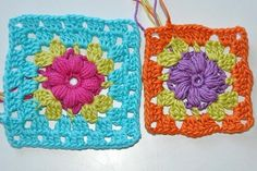 """Crochet: Granny Square """"baby flowers"""" This is the same pattern as the granny with colored centers (flowers) surrounded  by white.  It's a German site, use google chrome to translate.  There is a video on the page also."""