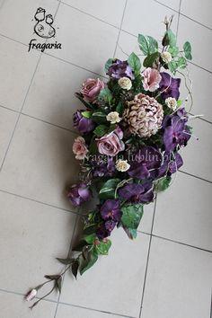 Grave Flowers, Funeral Flowers, Funeral Sprays, Grave Decorations, Fresh Flowers, Floral Arrangements, Floral Wreath, Florists, Wreaths
