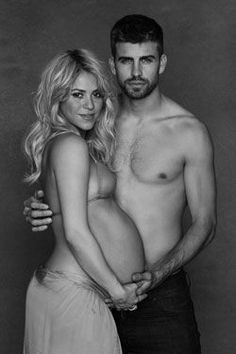 Beautiful Pregnancy Photo: Pregnant Shakira and Gerard Pique
