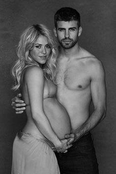 Beautiful Pregnancy Photo: Pregnant Shakira and Gerard Pique