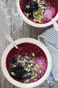 Holy smoothie bowl! #GoodSips #Blackberry #Smoothie