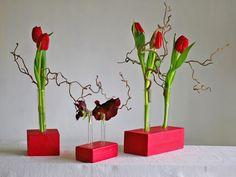 Vasen - Blumenvase aus Holz,Vase mit Reagenzglas in rot - ein Designerstück von restyled bei DaWanda