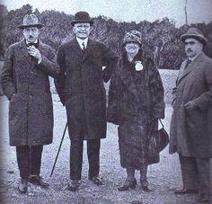 Fernando Pessoa com Moutinho de Almeida (patrão)