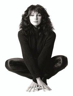Kate Bush, 1980 (Patrick Lichfield) simply stunning adolescent crush in the early Music Icon, Uk Music, Female Singers, Women's Summer Fashion, 70s Fashion, Record Producer, Music Artists, Beautiful People, Beautiful Women