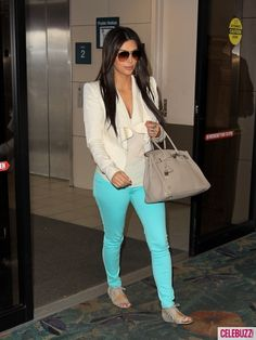 love this look! especially the turquoise jeans!
