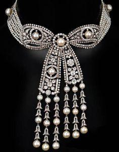 Belle Epoque diamond pearl platinum bow necklace, signed Cartier, Paris