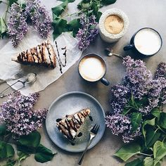 Hello coffee or tea lovers !!! Today the feature is by @minimaliving We Love going through all of your pictures tagged #coffeeandseasons or #teaandseasons So many great compositions ! Congrats for this beautiful picture !!! Thank You for sharing ************************************** Selected by: @marieinmay