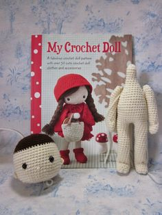 This book by Isabelle Kessedjian is one that has been on my wish list for several months; last Thursday it finally arrived!  I love the simplicity and sweetness of this crochet doll :-) The book is fu