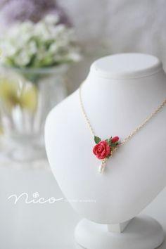 Crochet Necklace Pattern, Crochet Bookmark Pattern, Crochet Beaded Necklace, Crochet Jewelry Patterns, Crochet Flower Patterns, Crochet Designs, Beaded Jewelry, Handmade Jewelry, Beaded Necklaces