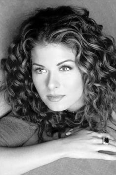 What I WISH my hair looked like! (actress Debra Messing) I've had curly hair all my life, and although my mane was once the bane of . Curly Hair Styles, Natural Hair Styles, Natural Curls, Wavy Curls, Wavy Hair, Red Curls, Soft Curls, Loose Curls, Textured Hair